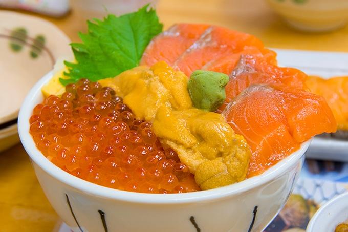 海鮮、ラーメン、ジンギスカンなど、北海道の料理はおいしい