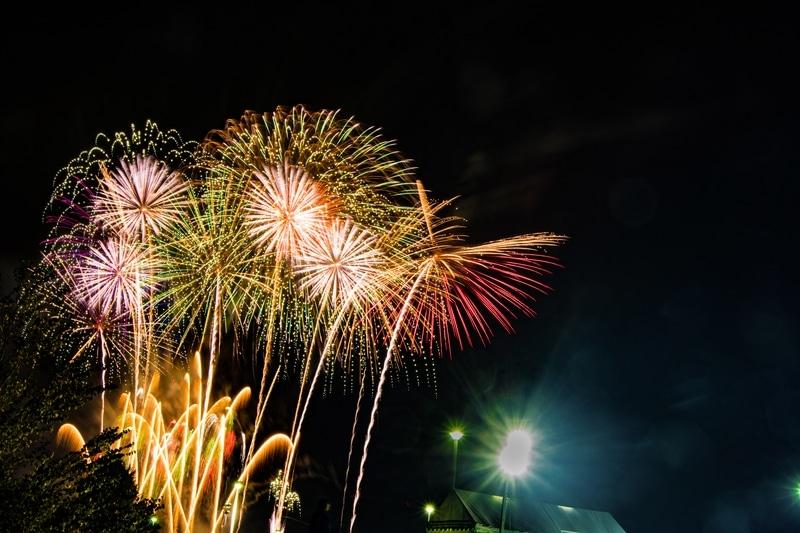 モエレ沼公園の東ゲート入り口から見える花火