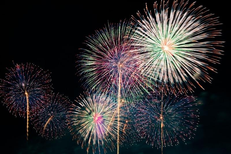 北海道札幌市東区にあるモエレ沼公園で開催される「モエレ沼芸術花火」のレビュー・感想
